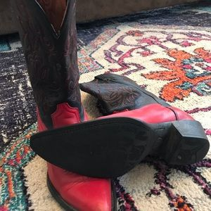 Ariat 2 tone red and black boots